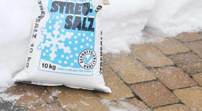 Warum streut man im Winter Salz?