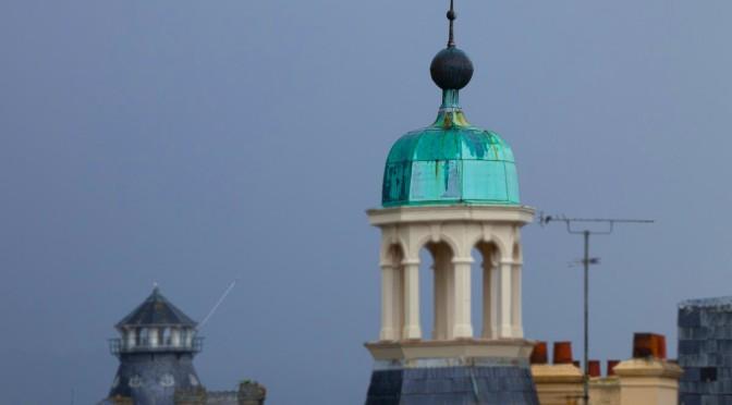 Warum werden Kupferdächer mit der Zeit grün?